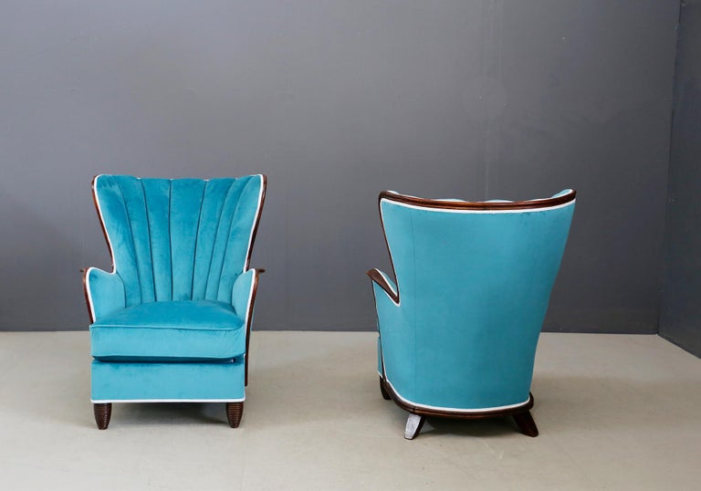 Pair of Midcentury Armchairs Blue Velvet Attributed to Paolo Buffa, 1950s In Good Condition For Sale In Milano, IT