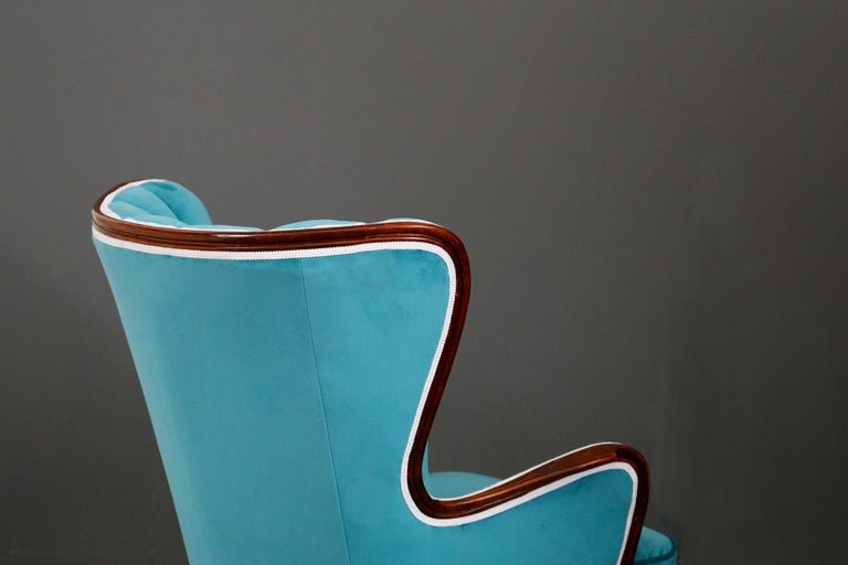 Pair of Midcentury Armchairs Blue Velvet Attributed to Paolo Buffa, 1950s For Sale 2