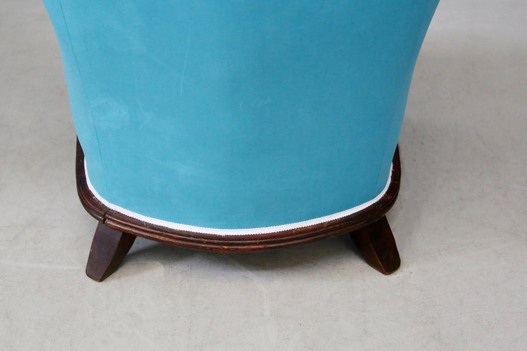 Pair of Midcentury Armchairs Blue Velvet Attributed to Paolo Buffa, 1950s For Sale 3