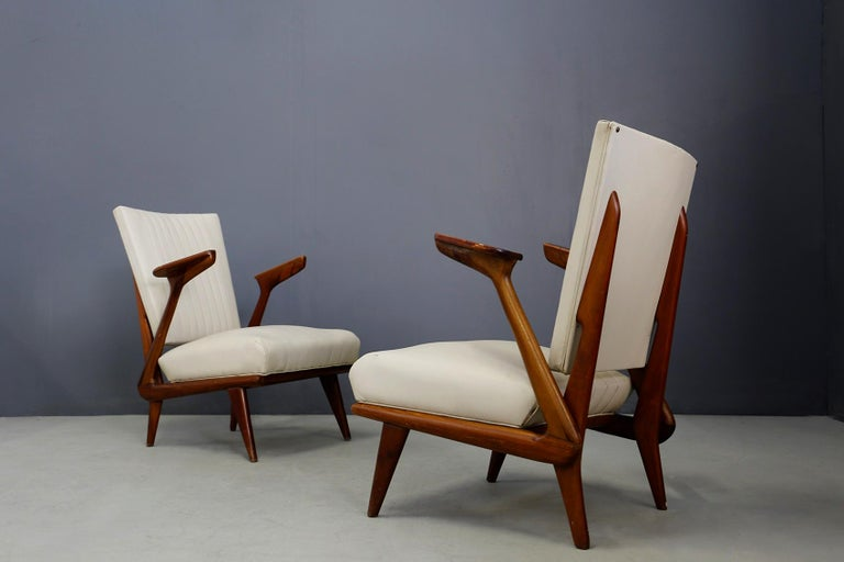 Mid-Century Modern Pair of Midcentury Armchairs by Giuseppe Scapinelli in Solid Wood, 1950s For Sale