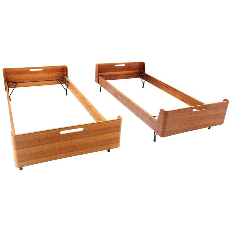 Pair of Midcentury Bed by Gastone Rinaldi for RIMA, 1950s For Sale