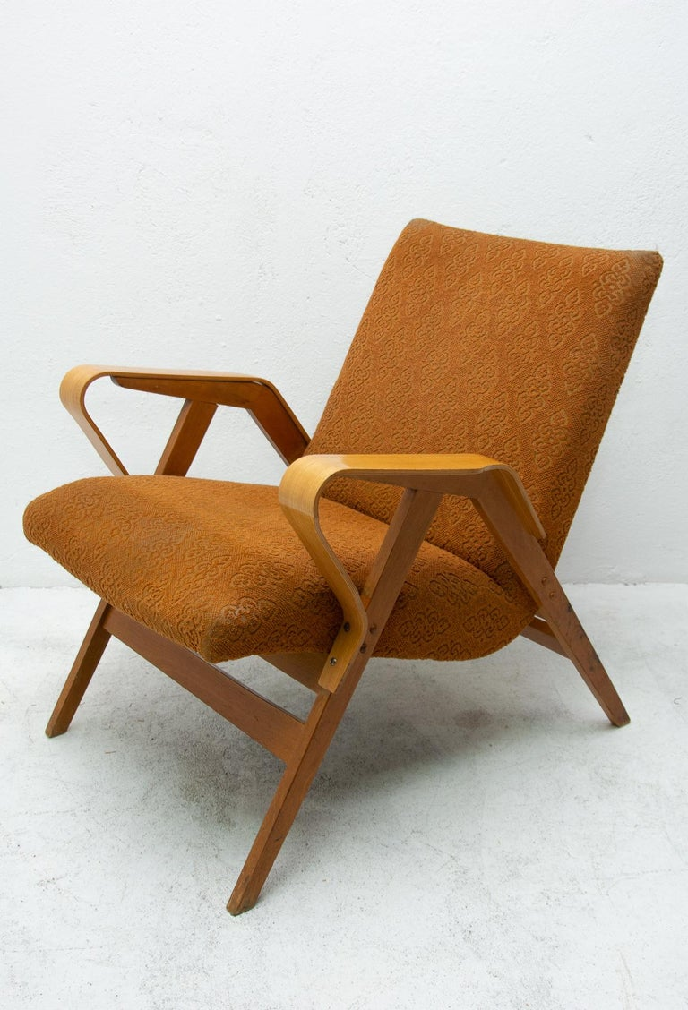 Pair of Midcentury Bentwood Armchairs by František Jirák for Tatra Nábytok For Sale 3