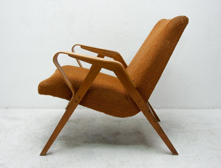 Pair of Midcentury Bentwood Armchairs by František Jirák for Tatra Nábytok For Sale 6