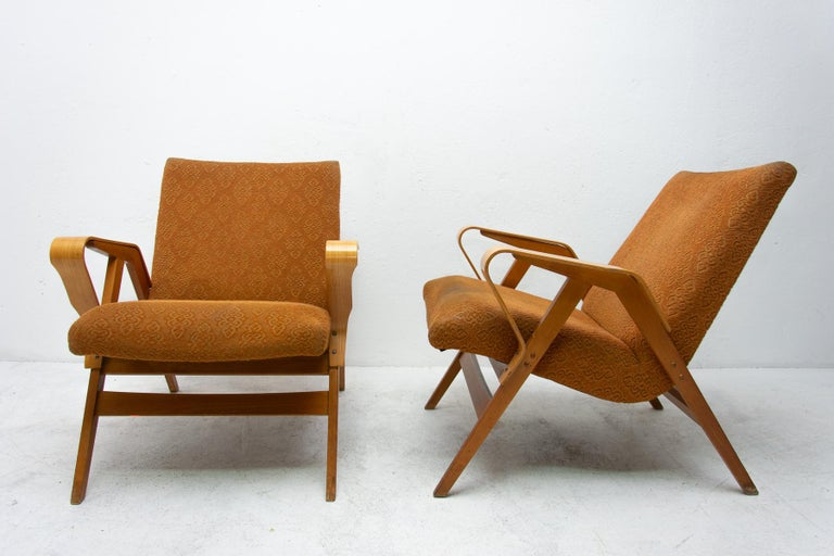 Mid-Century Modern Pair of Midcentury Bentwood Armchairs by František Jirák for Tatra Nábytok For Sale