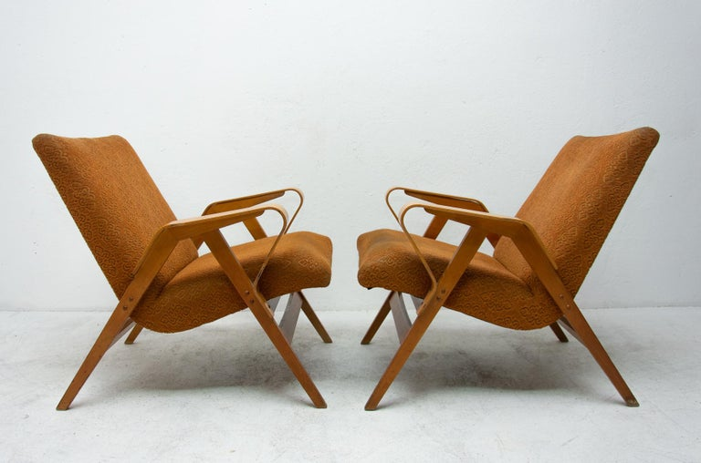 Czech Pair of Midcentury Bentwood Armchairs by František Jirák for Tatra Nábytok For Sale