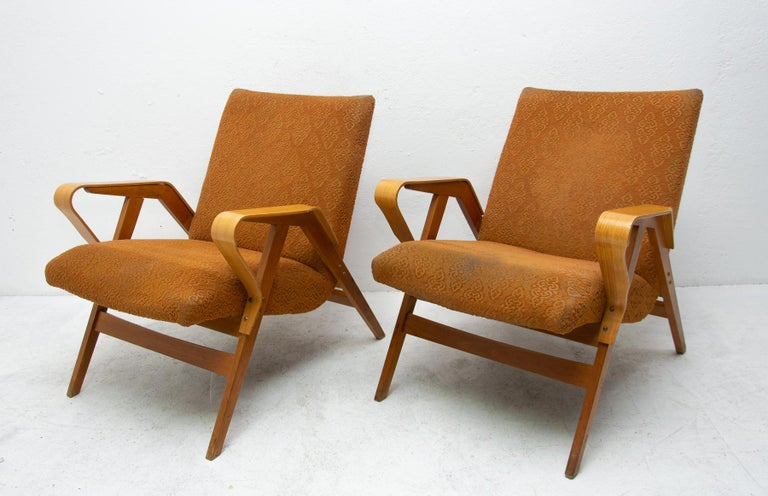 Mid-20th Century Pair of Midcentury Bentwood Armchairs by František Jirák for Tatra Nábytok For Sale