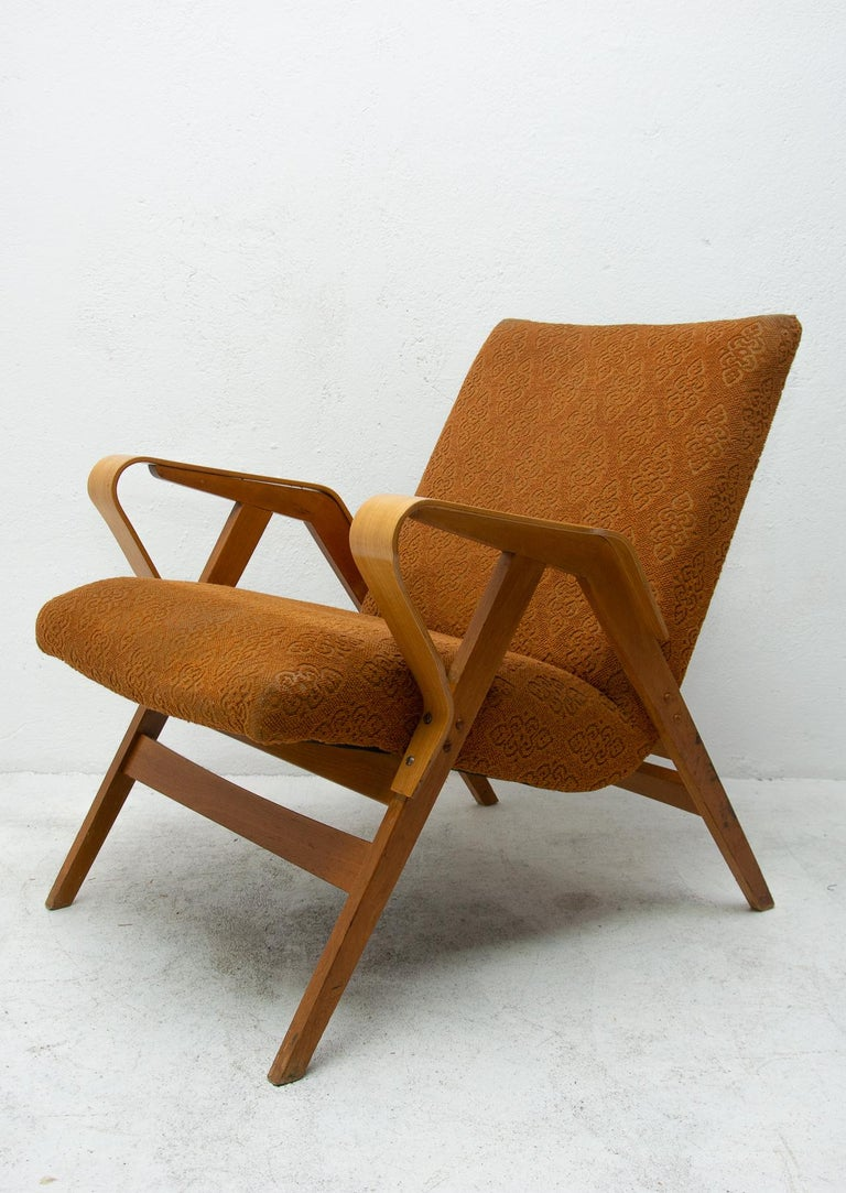 Pair of Midcentury Bentwood Armchairs by František Jirák for Tatra Nábytok For Sale 2