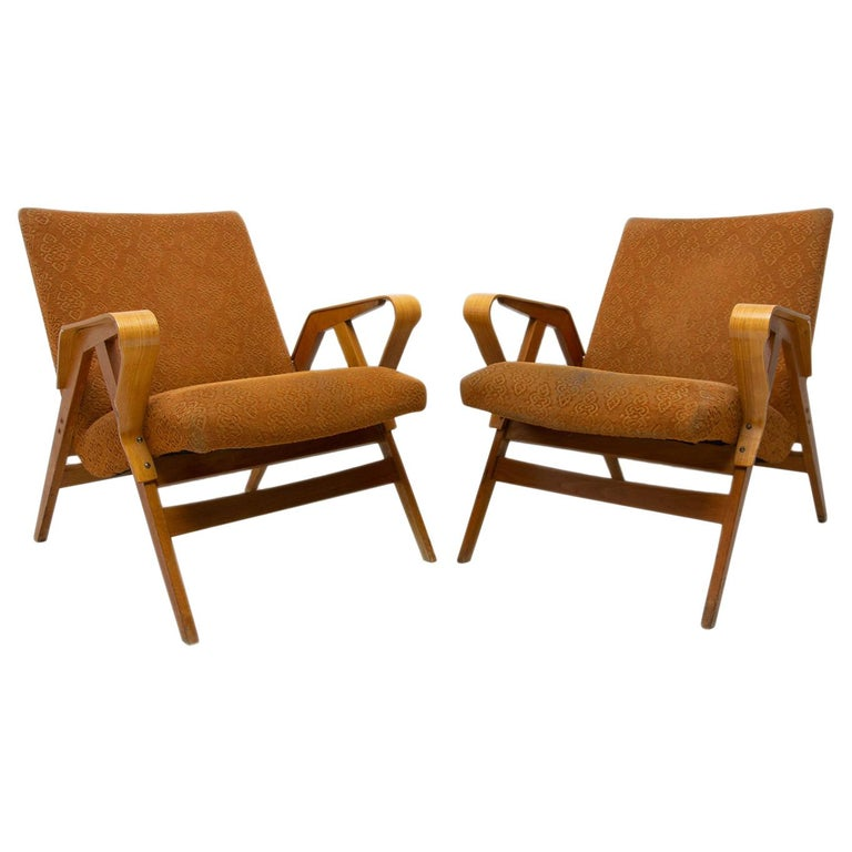 Pair of Midcentury Bentwood Armchairs by František Jirák for Tatra Nábytok For Sale