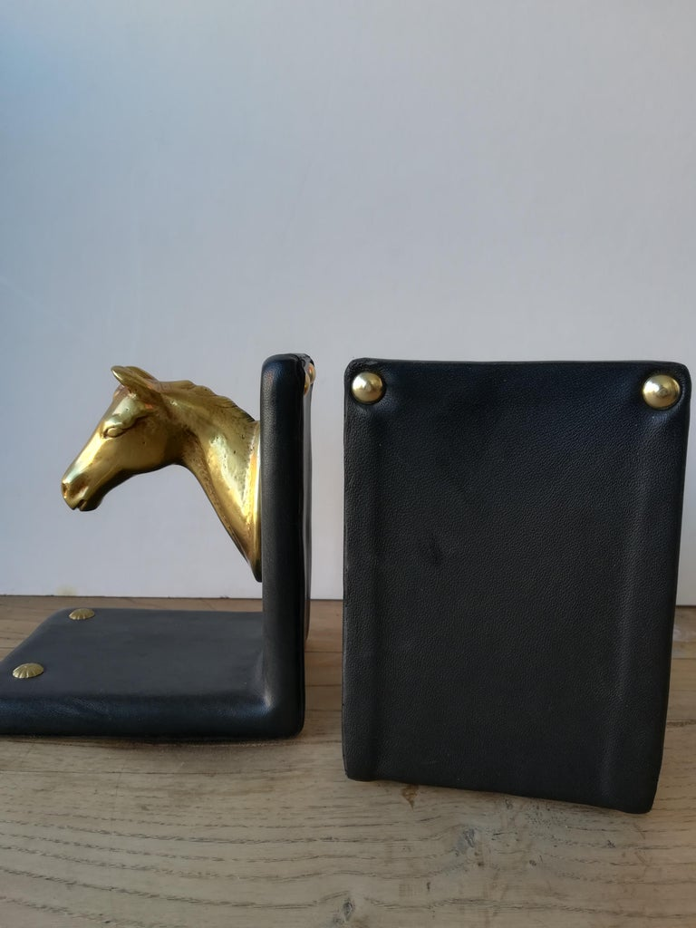 Pair of Midcentury Brass Horse Sculpture and Brown Leather French Bookends For Sale 11