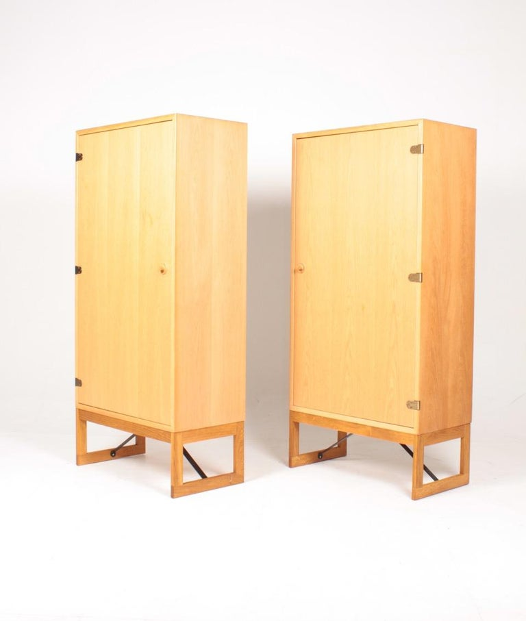 Mid-20th Century Pair of Midcentury Cabinets in Oak Designed by Børge Mogensen, 1960s For Sale