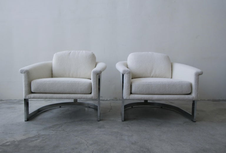 Mid-Century Modern Pair of Midcentury Chrome Barrel Chairs For Sale