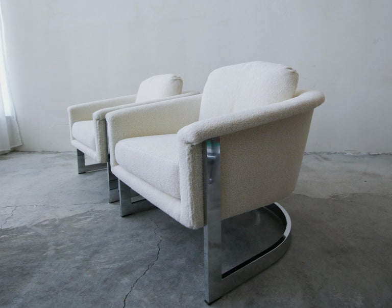 Pair of Midcentury Chrome Barrel Chairs In Good Condition For Sale In Las Vegas, NV