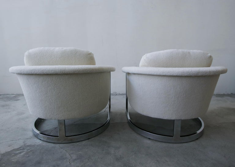 20th Century Pair of Midcentury Chrome Barrel Chairs For Sale