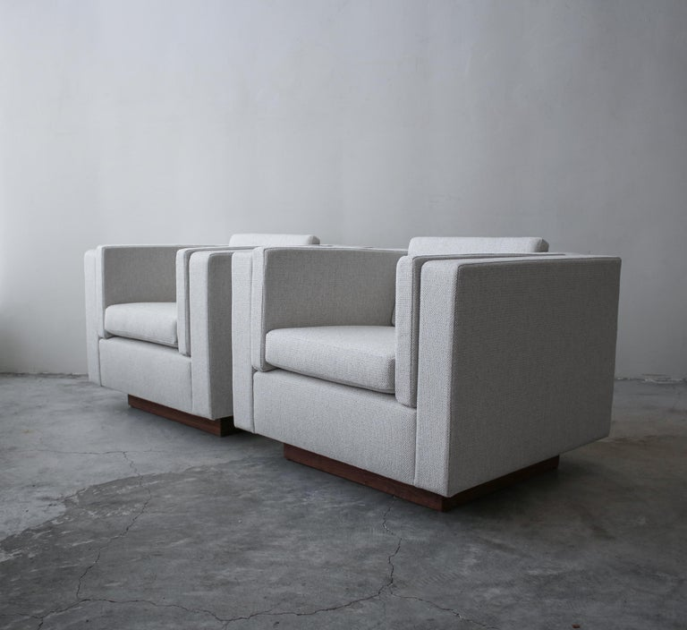 Mid-Century Modern Pair of Midcentury Cube Lounge Chairs For Sale