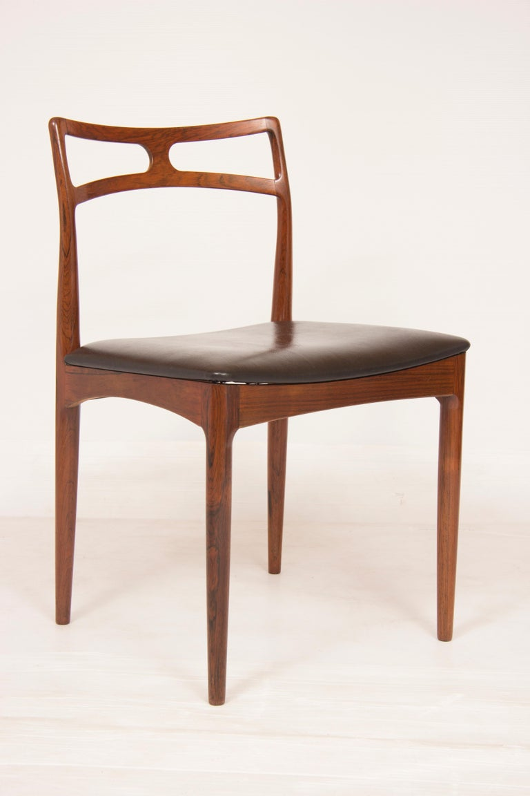 Mid-Century Modern Pair of Midcentury Dining Chairs by Johannes Andersen for Christian Linneberg For Sale