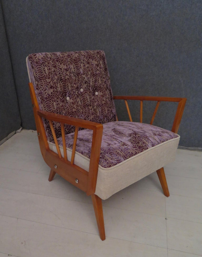 Pair of Midcentury Embroidered Velvet and Light Wood Italian Armchairs, 1950 For Sale 3