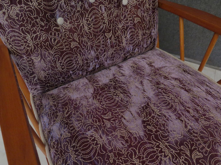 Pair of Midcentury Embroidered Velvet and Light Wood Italian Armchairs, 1950 In Excellent Condition For Sale In Rome, IT