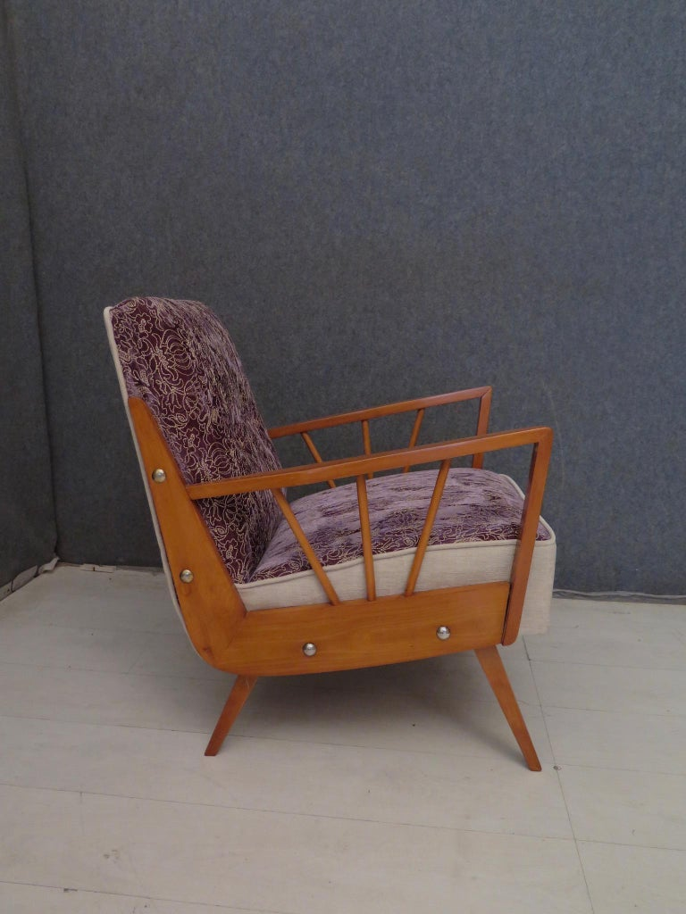 Pair of Midcentury Embroidered Velvet and Light Wood Italian Armchairs, 1950 For Sale 7