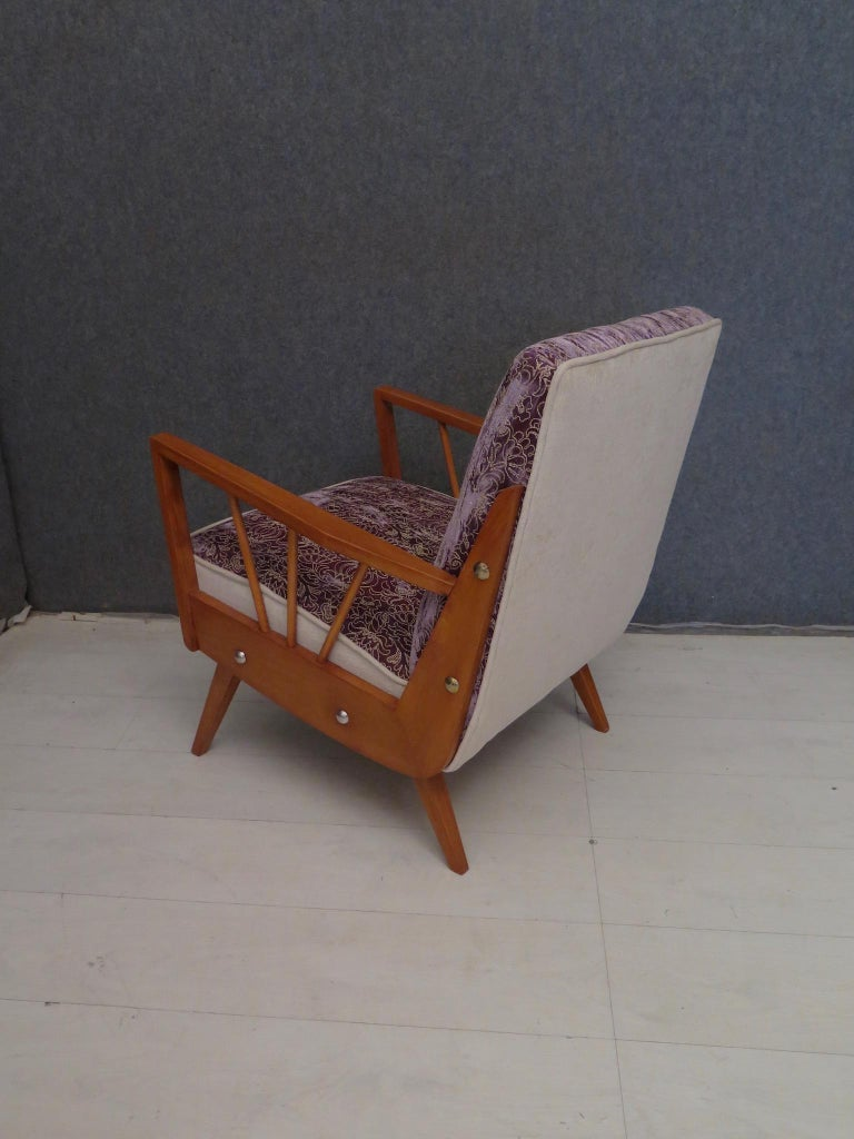 Pair of Midcentury Embroidered Velvet and Light Wood Italian Armchairs, 1950 For Sale 9