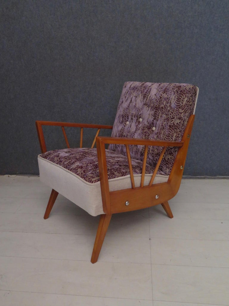 Pair of Midcentury Embroidered Velvet and Light Wood Italian Armchairs, 1950 For Sale 5