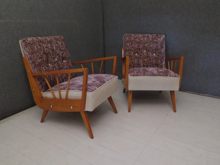 Pair of Midcentury Embroidered Velvet and Light Wood Italian Armchairs, 1950 For Sale 1