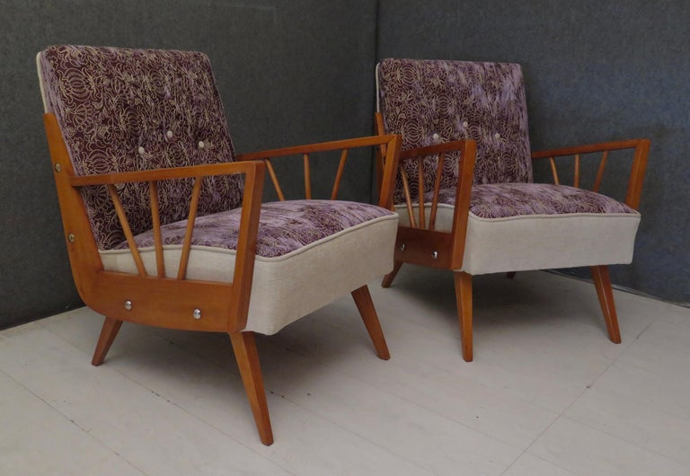 Pair of Midcentury Embroidered Velvet and Light Wood Italian Armchairs, 1950 For Sale 4