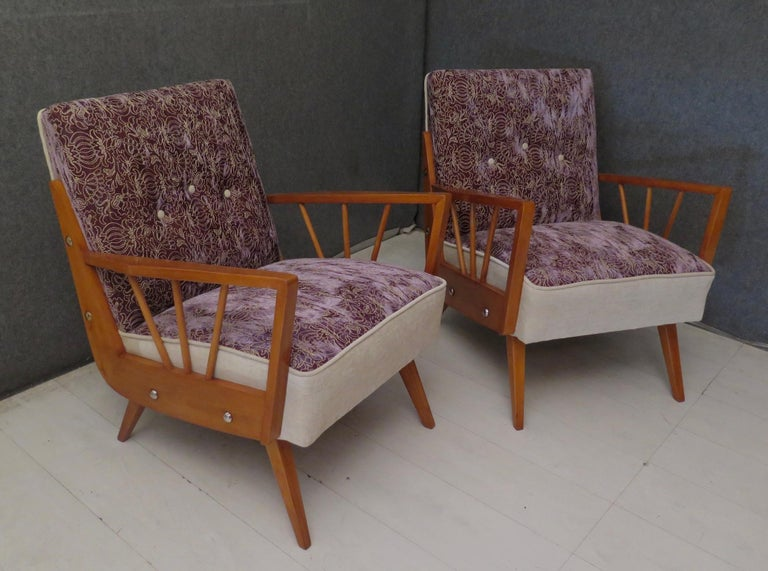 Pair of Midcentury Embroidered Velvet and Light Wood Italian Armchairs, 1950 For Sale 6