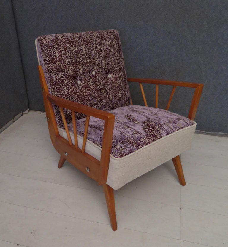 Pair of Midcentury Embroidered Velvet and Light Wood Italian Armchairs, 1950 For Sale 11