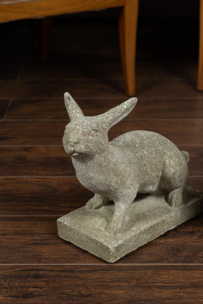 Pair of Midcentury English Concrete Rabbits Sculptures on Rectangular Bases In Good Condition For Sale In Atlanta, GA