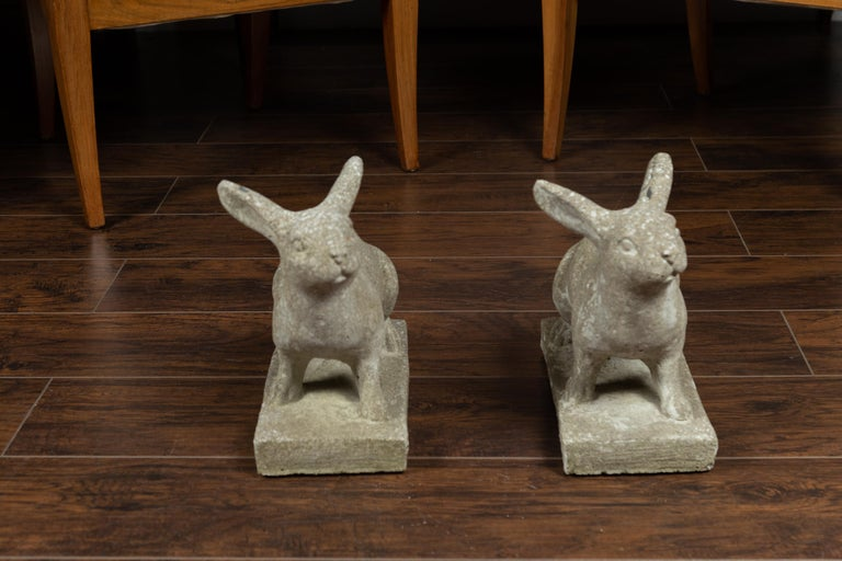 Pair of Midcentury English Concrete Rabbits Sculptures on Rectangular Bases For Sale 2
