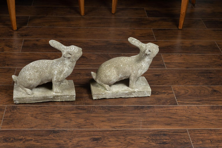 Pair of Midcentury English Concrete Rabbits Sculptures on Rectangular Bases For Sale 3