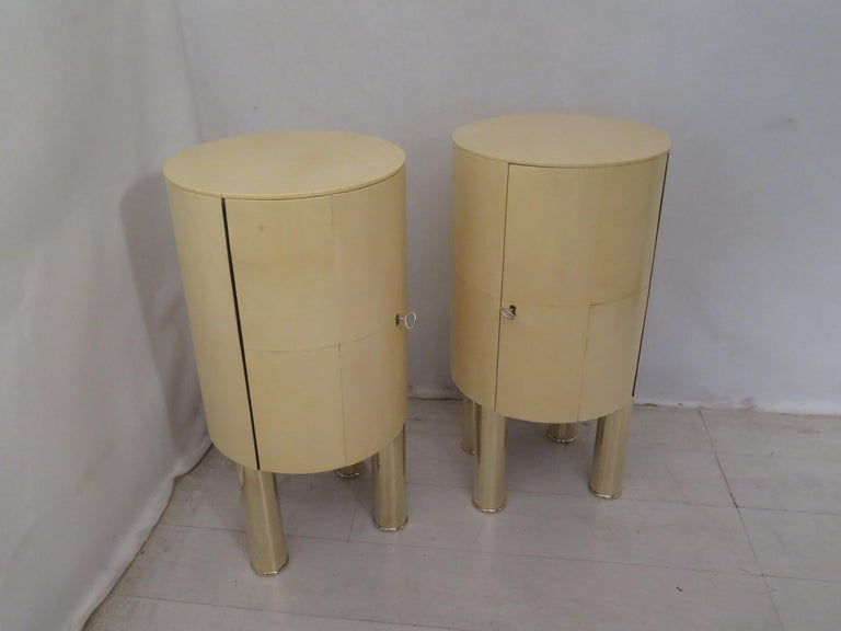 Pair of Midcentury Goat Skin and Brass Italian Nightstands, 1950 For Sale 5