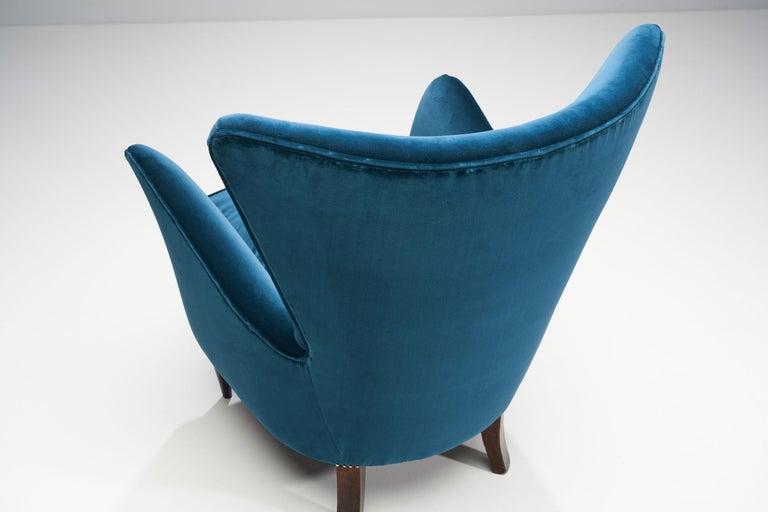 Velvet Pair of Midcentury Italian Armchairs, Italy, 1950s For Sale