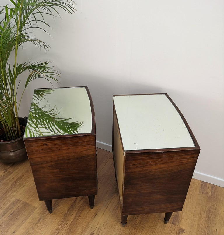 20th Century Pair of Midcentury Italian Art Deco Bedside Tables, Briar Wood and Mirror Top For Sale