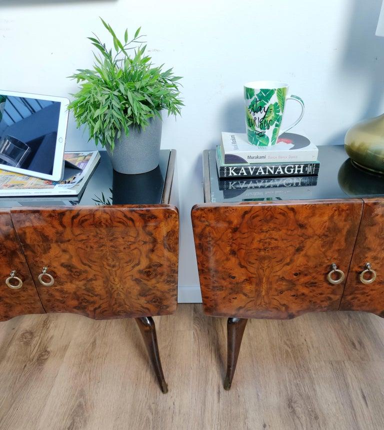 Pair of Midcentury Italian Art Deco Nightstands Bedside Tables Burl Brass Glass For Sale 2