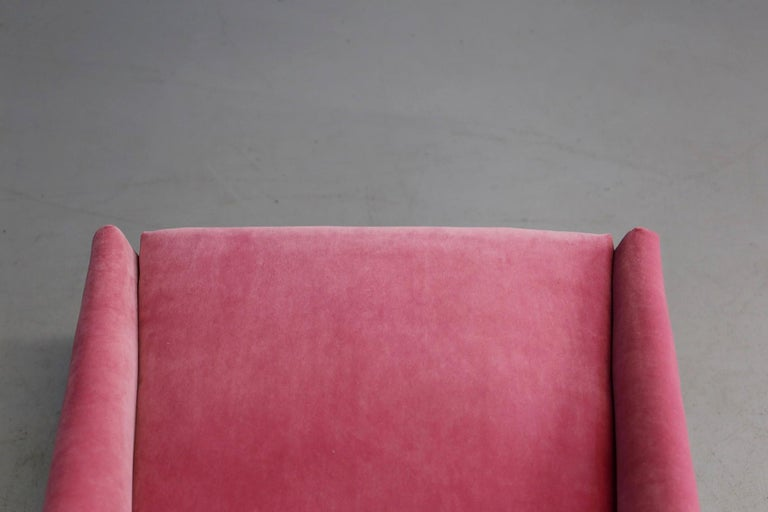 Pair of Midcentury Italian Attributed by Carlo Pagani in Pink Velvet, 1950s For Sale 4