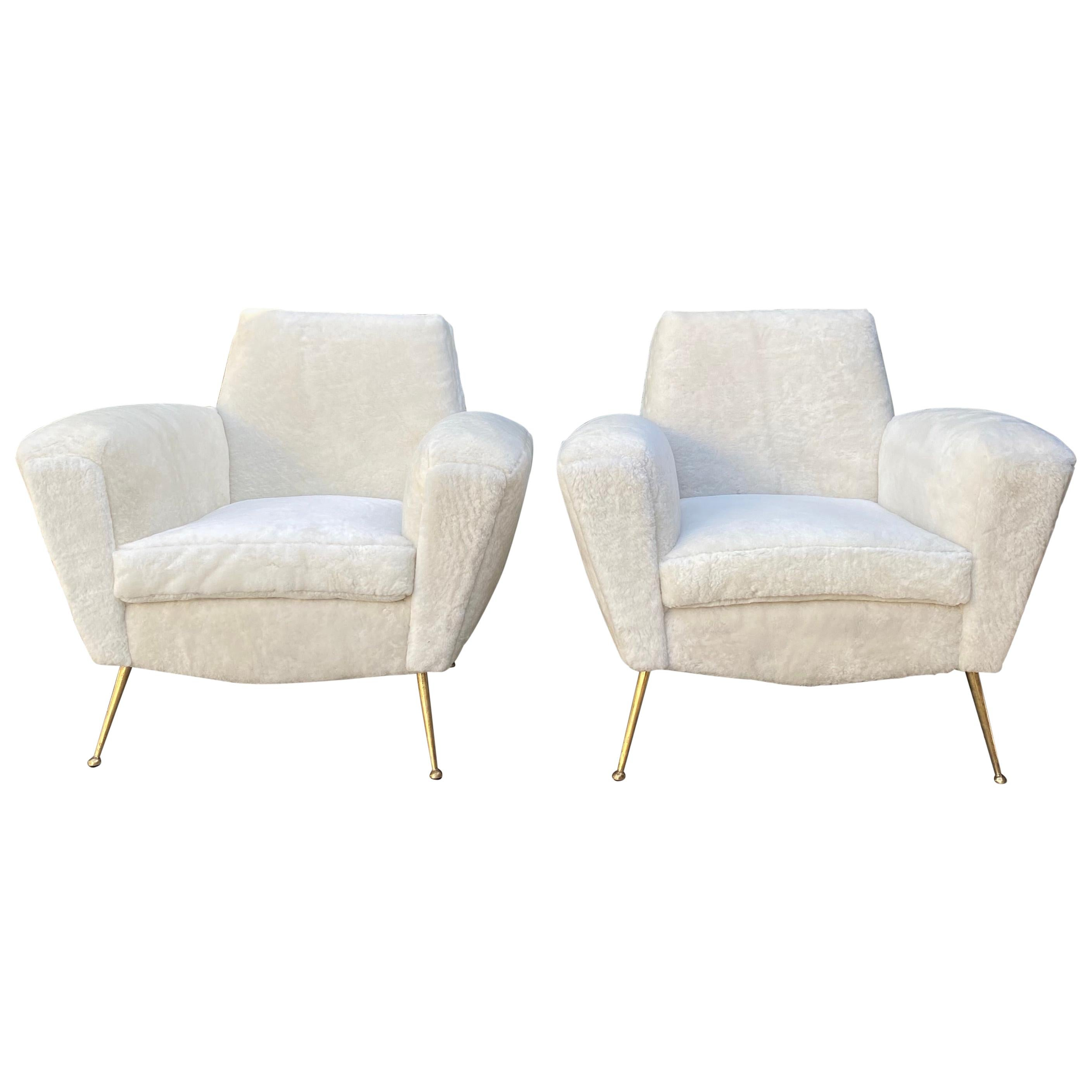 Pair of Midcentury Italian Club Chairs in White Shearling Inspired by Lenzi 548