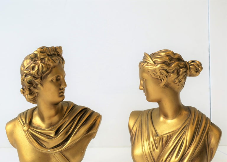 Classical Roman Pair of Midcentury Italian Gold Plaster Classic Roman Bust Sculptures For Sale