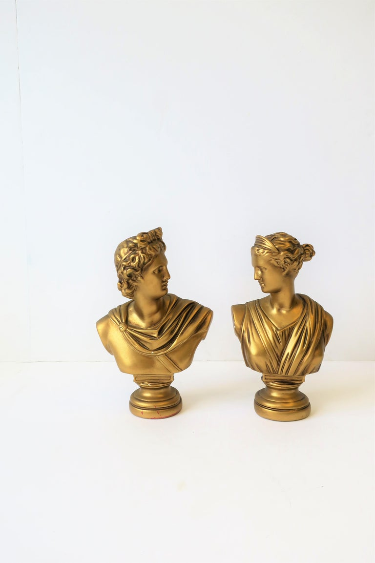 Pair of Midcentury Italian Gold Plaster Classic Roman Bust Sculptures In Good Condition For Sale In New York, NY