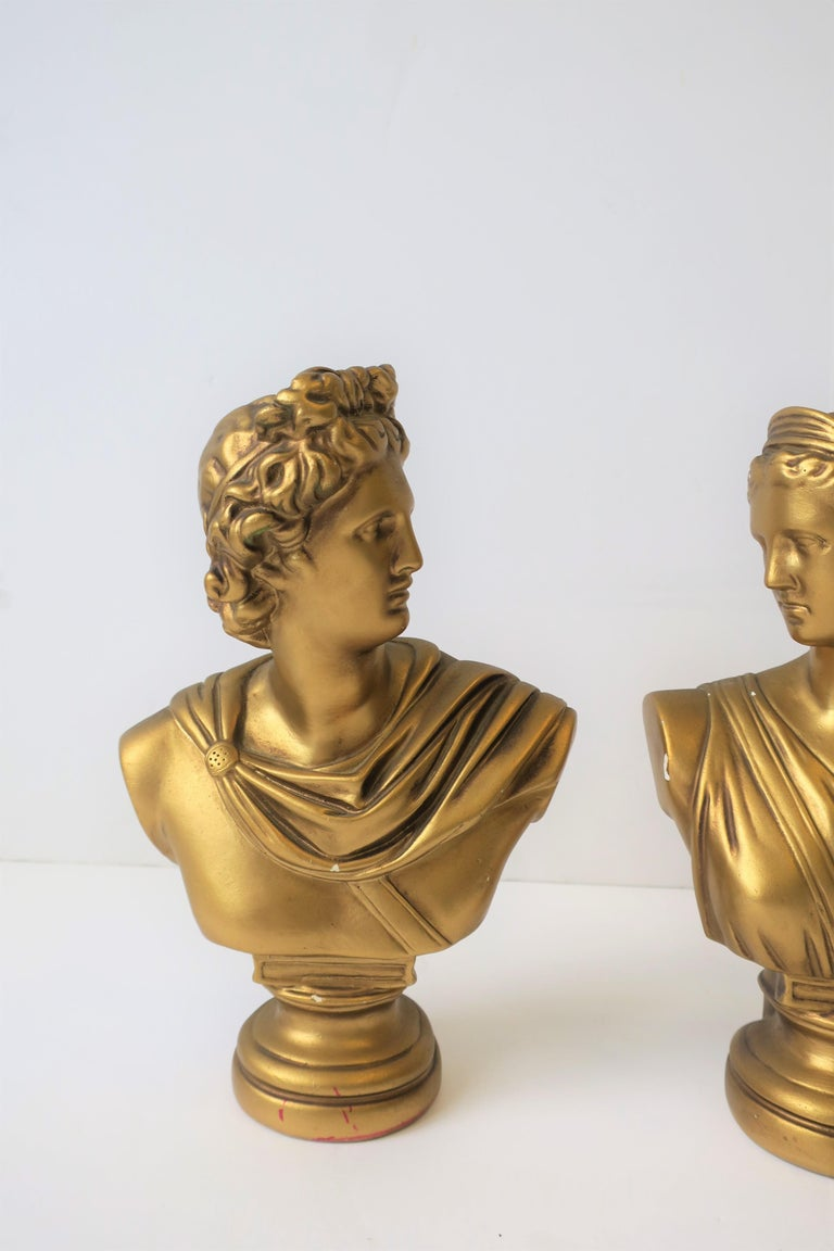 20th Century Pair of Midcentury Italian Gold Plaster Classic Roman Bust Sculptures For Sale