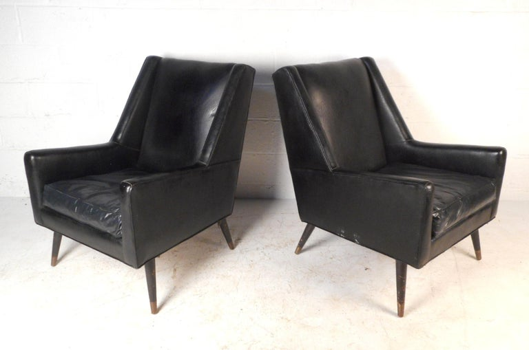 Mid-Century Modern Pair of Midcentury Italian Lounge Chairs For Sale