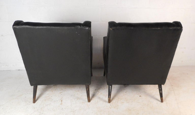Late 20th Century Pair of Midcentury Italian Lounge Chairs For Sale