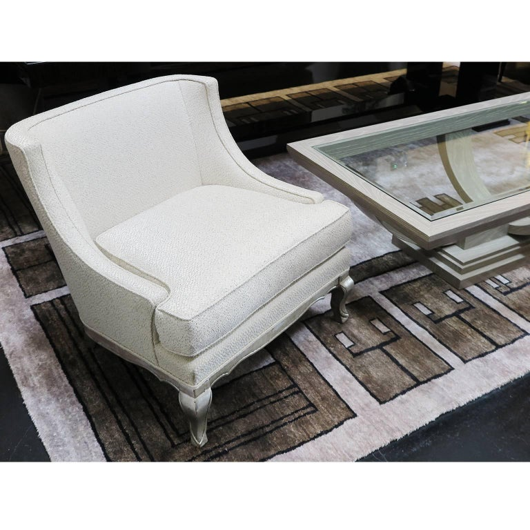 Pair of Midcentury Ivory Linen and Silk Lounge Chairs, USA, circa 1950s For Sale 6