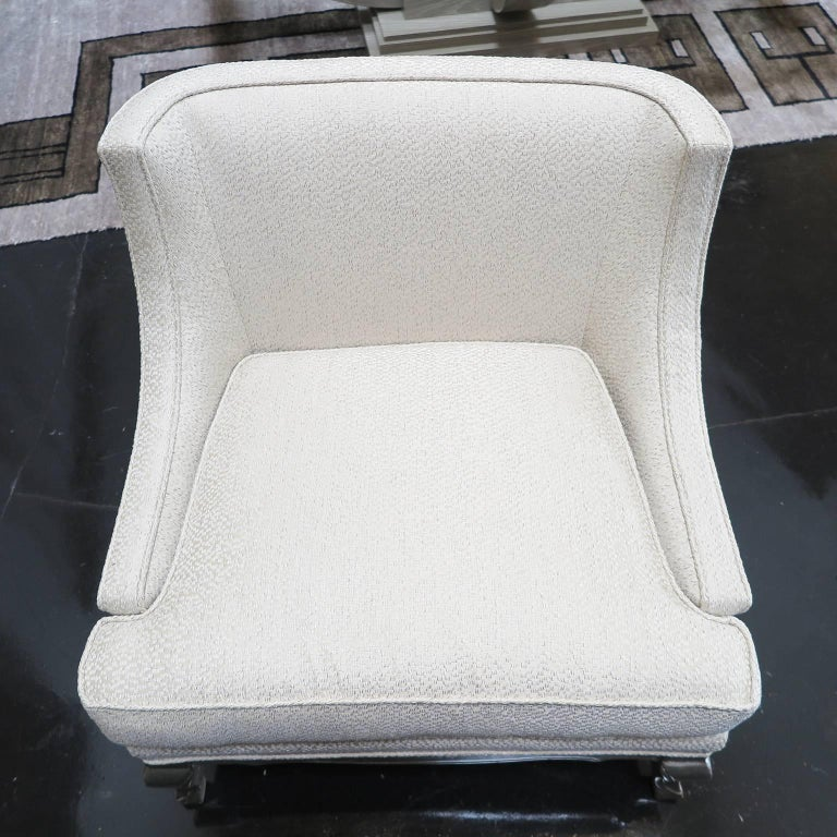 Pair of Midcentury Ivory Linen and Silk Lounge Chairs, USA, circa 1950s In Good Condition For Sale In Los Angeles, CA