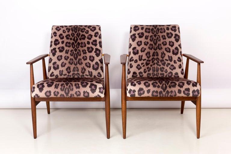 Mid-Century Modern Pair of Midcentury Leopard Print Velvet Dante Armchairs, H. Lis, 1960s For Sale