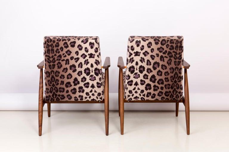 Pair of Midcentury Leopard Print Velvet Dante Armchairs, H. Lis, 1960s In Excellent Condition For Sale In 05-080 Hornowek, PL