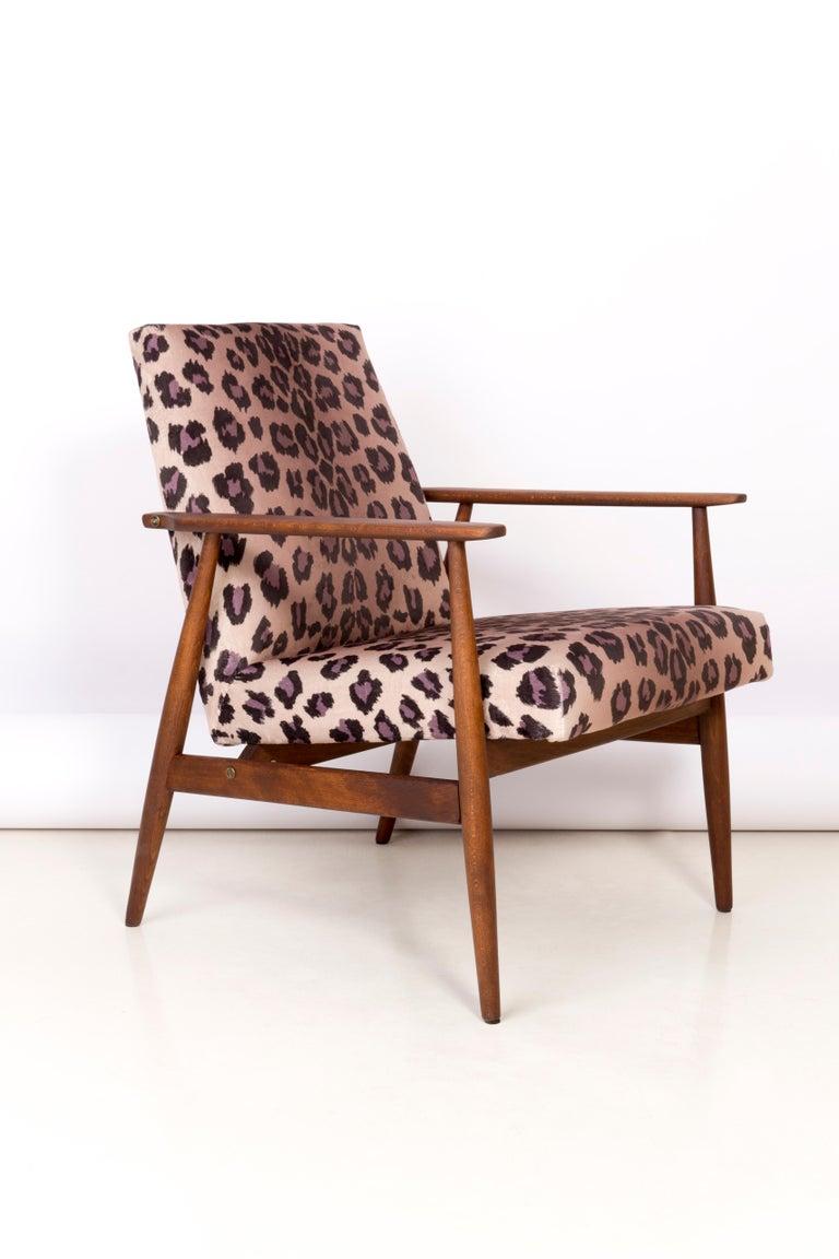 Textile Pair of Midcentury Leopard Print Velvet Dante Armchairs, H. Lis, 1960s For Sale