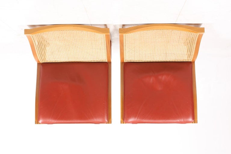 Pair of Midcentury Lounge Chairs by in Beech and Patinated Leather, Danish For Sale 2