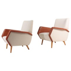 Pair of Midcentury Lounge Chairs in Bouclé and Patinated Leather by Gio Ponti