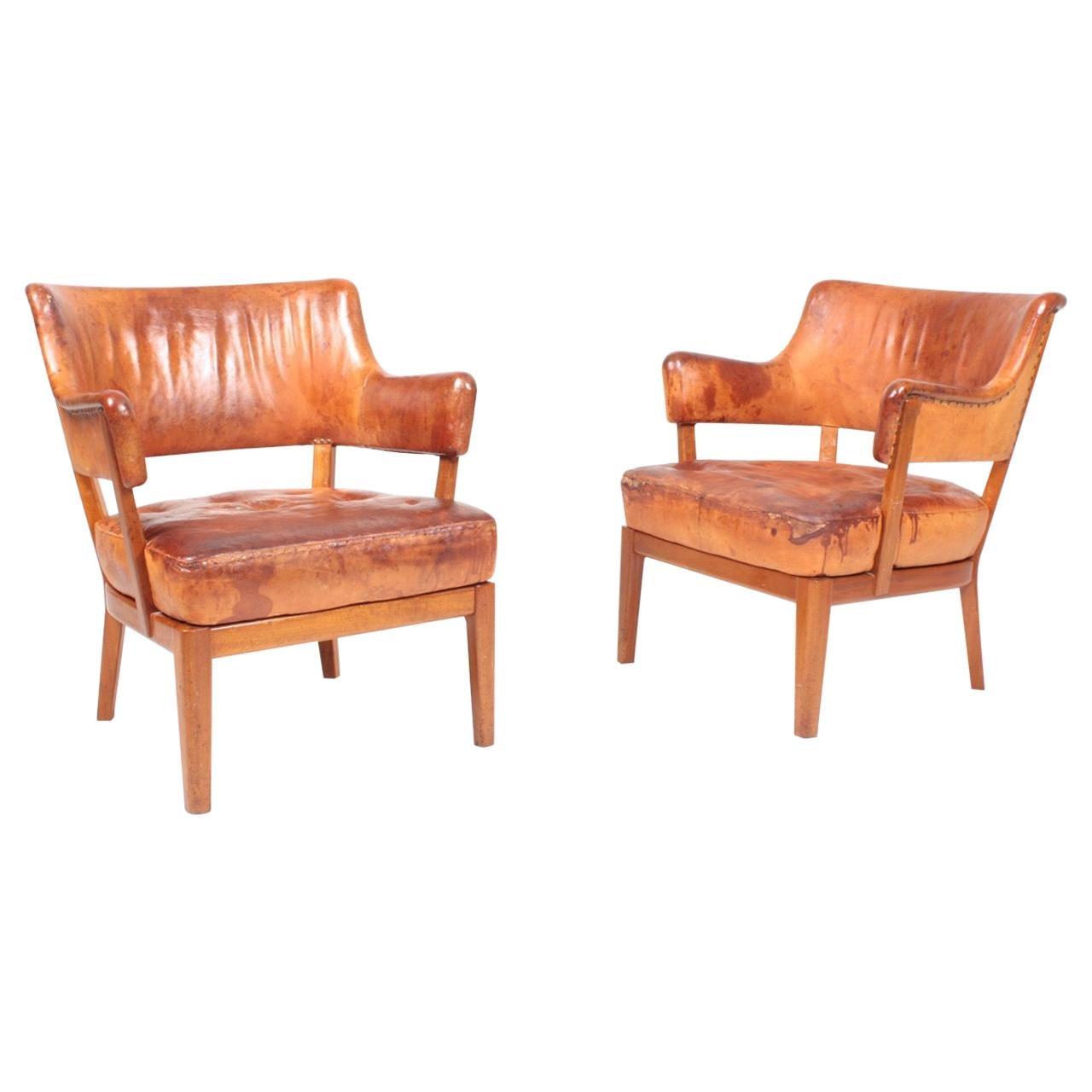 Pair of Midcentury Lounge Chairs in Patinated Leather, 1940s